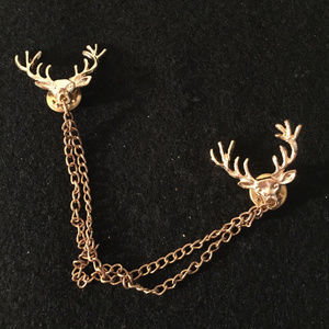 vintage gold reindeer deer sweater clip brooch pin